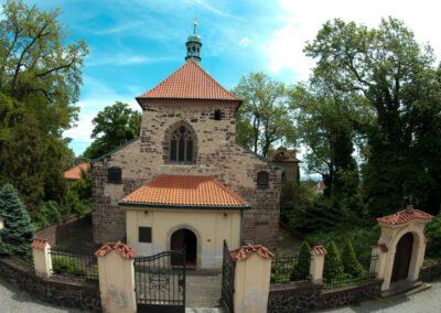 1. Kostel sv. Václava na Proseku