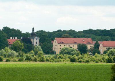 2. Zámecký areál Ctěnice spravuje od roku 2012 Muzeum města Prahy